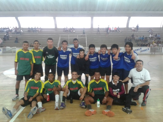 2º lugar handebol - Jogos Escolares. <a href='/img/galeria/20131002_114136.jpg' target='blank'><b style='color:white'>Baixar Foto</b> <img src='img/down-arrow-white.png' style='margin-top:-4px' border='0'></a>